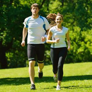新型コロナの重症化リスク、運動習慣のある人は低い