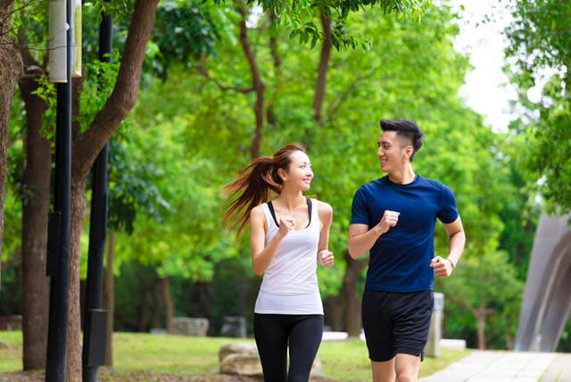 ガイドライン推奨の運動をする人は死亡リスクが40%減:話題の論文 ...
